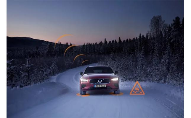 Volvobilar i Europa varnar varandra om hala vägar och andra